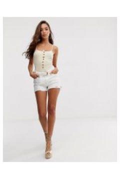 River Island x Caroline Flack - Jeans-Shorts in Ecru mit abgeschnittenem Design - Beige(95027801)