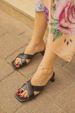 STRASWANS Kadın Siyah Patricia Parmak Arası Topuklu Terlik(118647969)