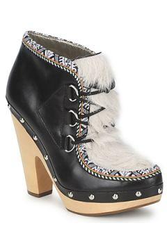 Boots Belle by Sigerson Morrison BLACKA(115456802)